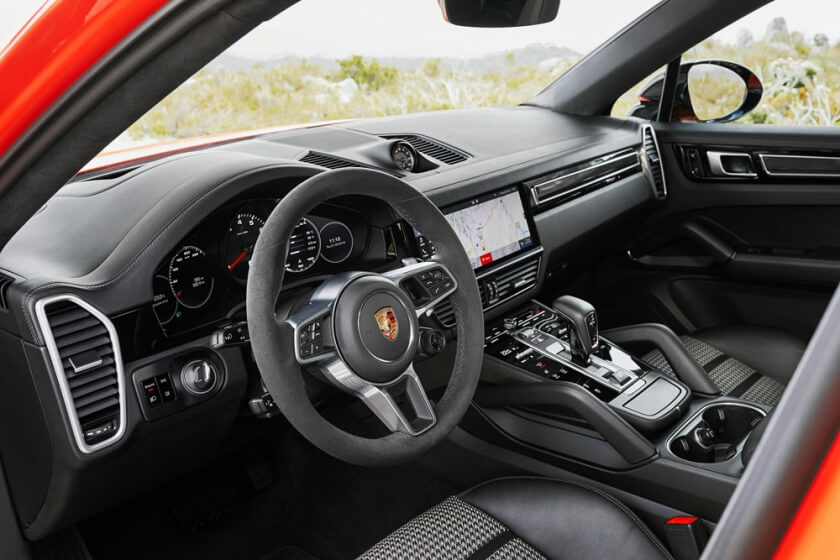 2019-porsche-cayenne-coupe-infotainment-system-leasing.jpg