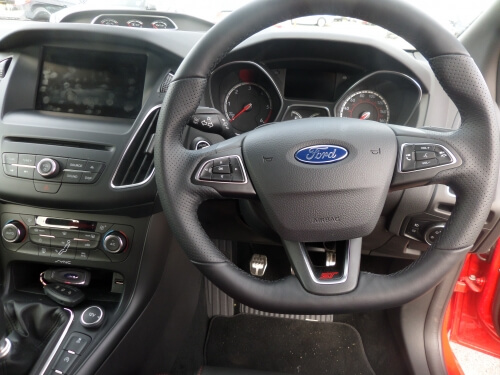 Blog / ford focus st blog steering wheel