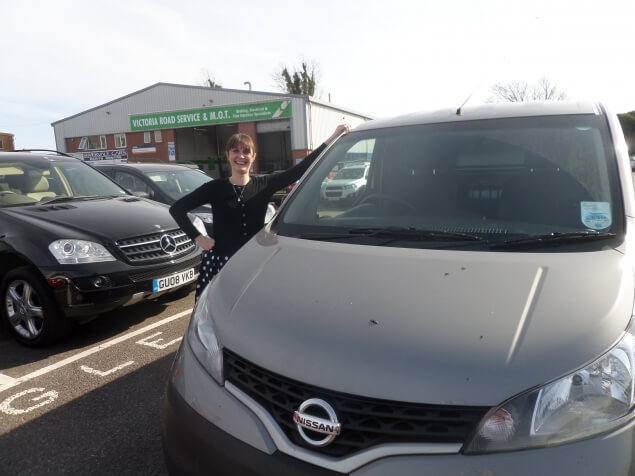 Nissan NV200 review - I try to change public attitude towards the ´white van man´!