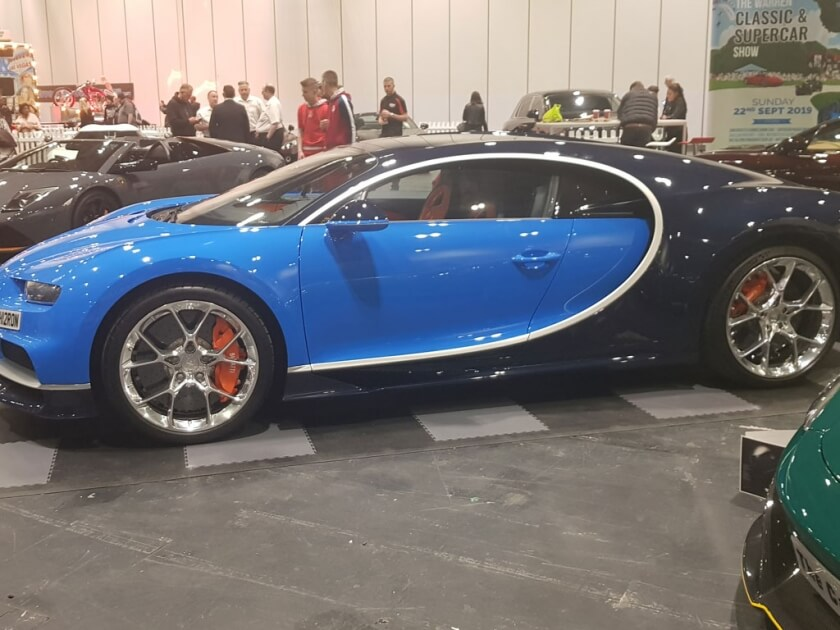 bugatti-chiron-side-london-motor-show-2019_1.jpg
