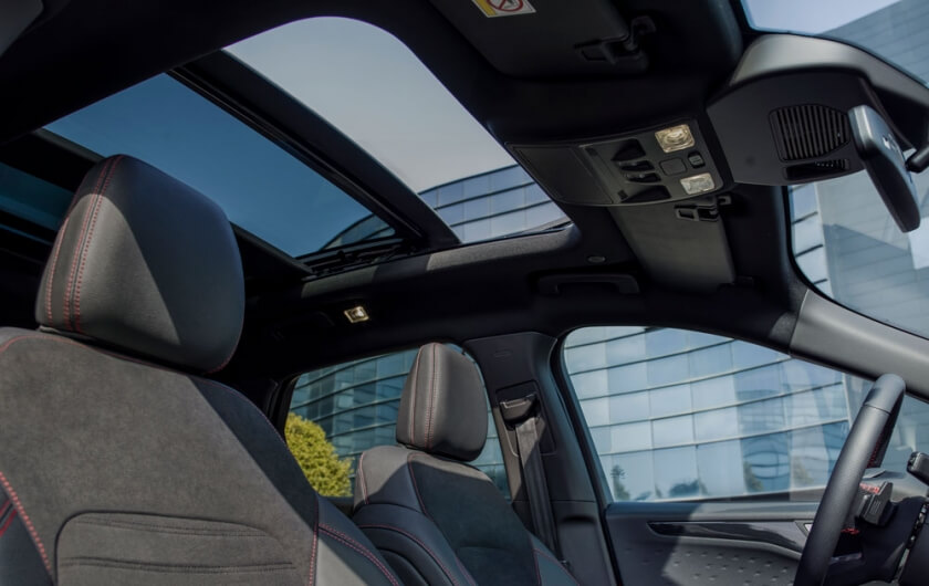new-ford-kuga-panoramic-sunroof.jpg