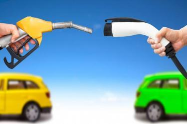 What are the costs of maintaining an Electric Car?